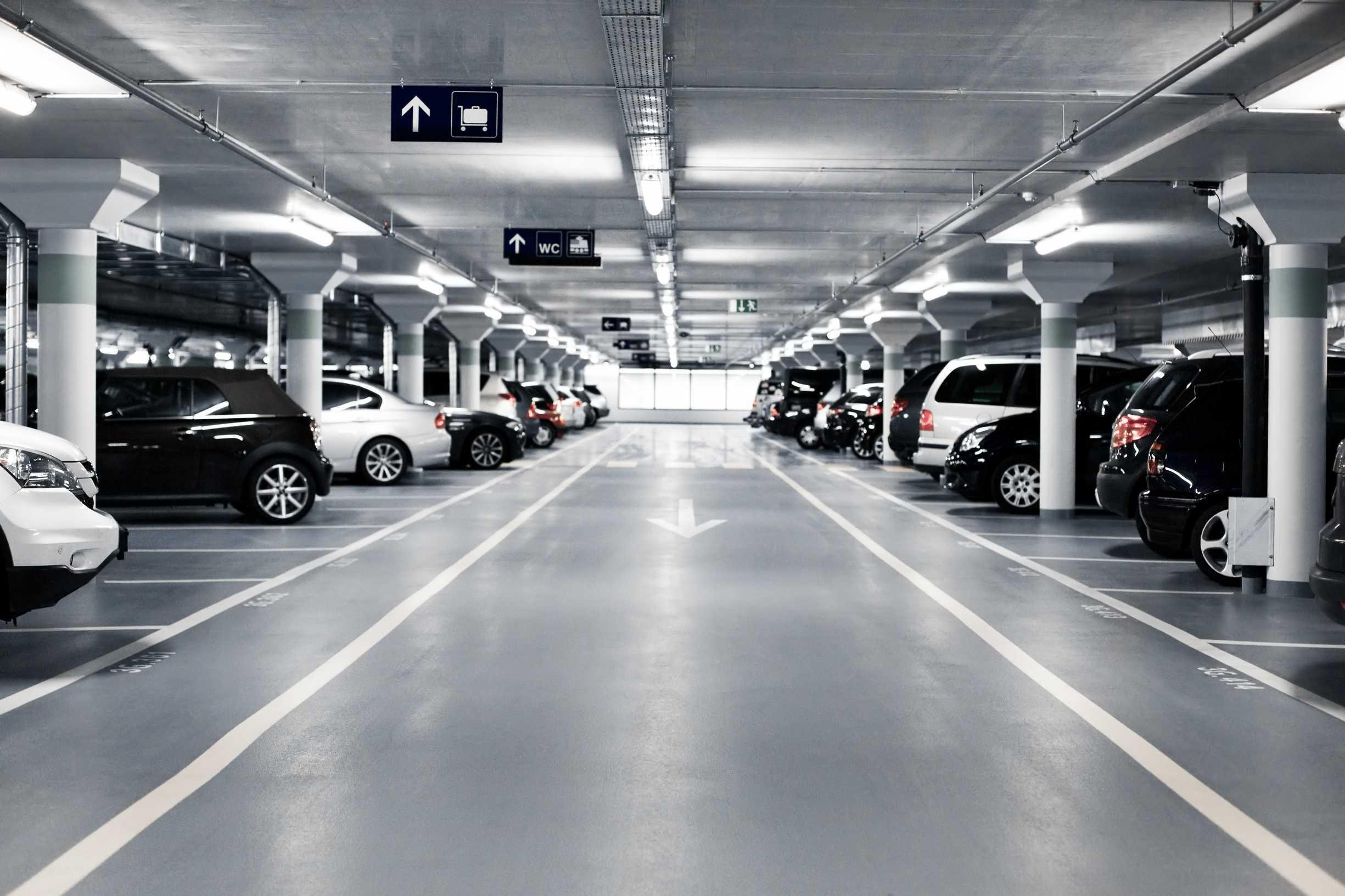 Vai deixar seu carro no estacionamento interno do Aeroporto de Guarulhos?